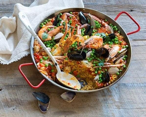 Paella with Crab, Prawns and Chicken Recipe